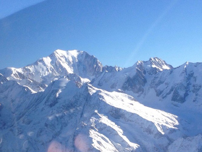 Le Mont Blanc vu d'avion le matin du 31 décembre 2014